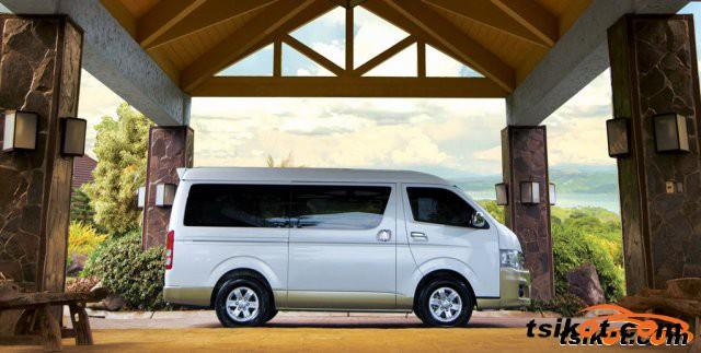 Toyota Hi-Ace 2015 - 5