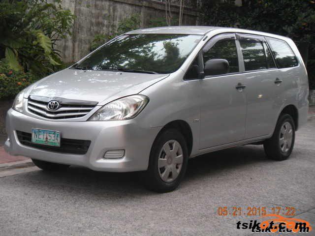 Toyota Innova 2009 - 1