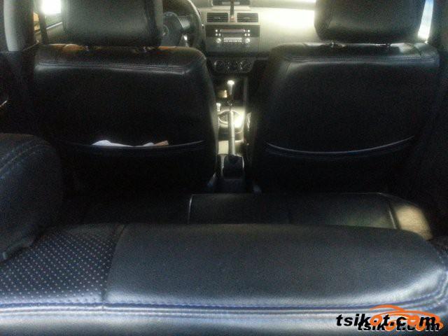 Suzuki Swift 2010 - 5