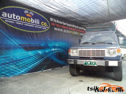 Mitsubishi Pajero 1989 - 1