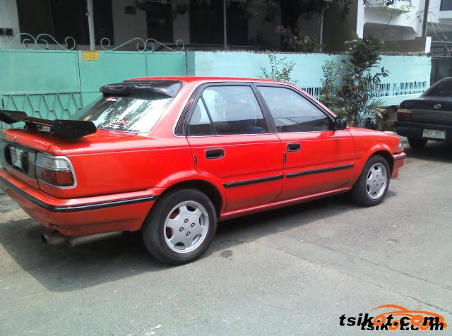 Toyota Corolla 1990 - 3