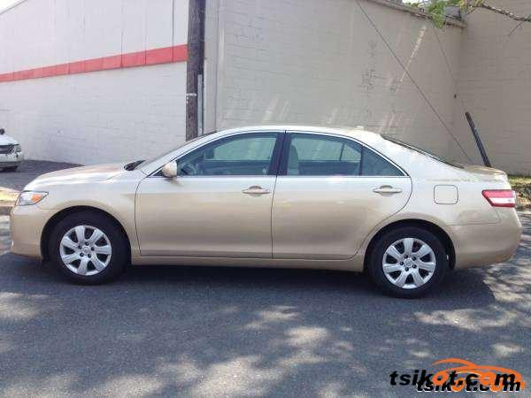 Toyota Camry 2011 - 1