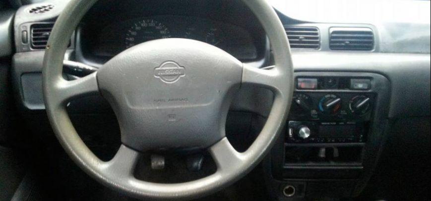 Nissan Sentra 2002 - 10