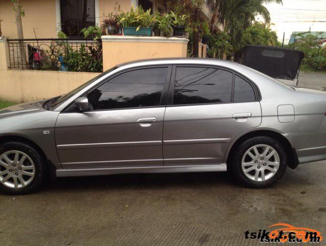 Honda Civic 2004 - 2
