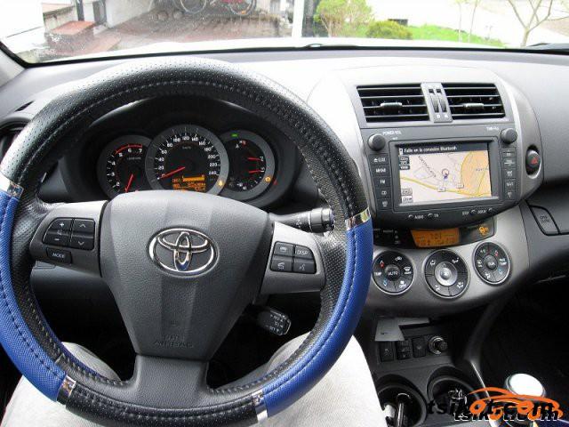 Toyota Rav4 2011 - 5