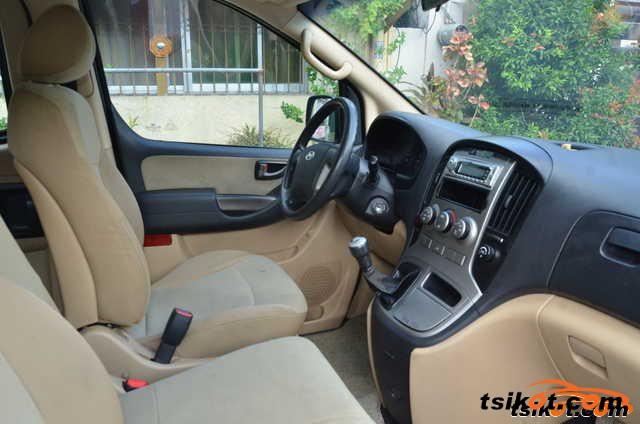 Hyundai G.starex 2011 - 2