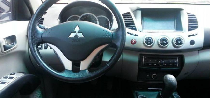 Mitsubishi Strada 2012 - 5