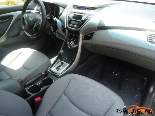 Hyundai Elantra 2013 - 2