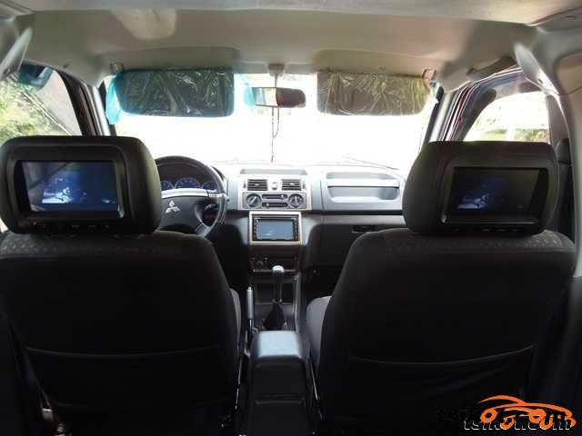 Mitsubishi Adventure 2010 - 3