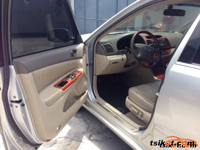 Toyota Camry 2005 - 4