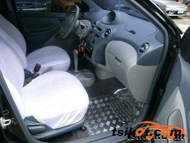 Toyota Echo 2000 - 3