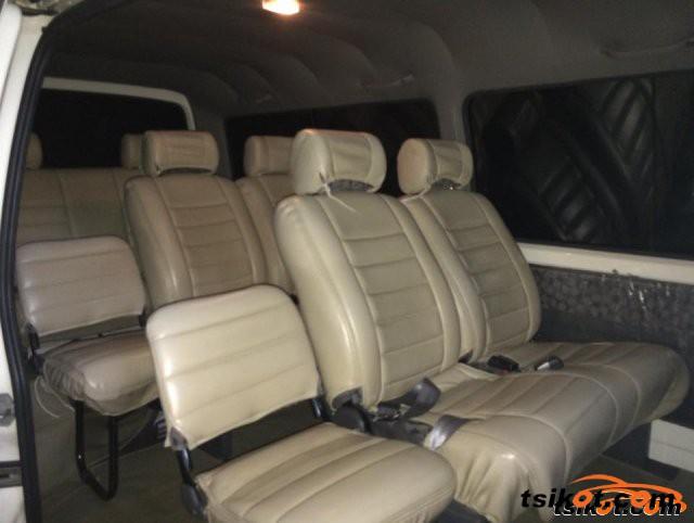 Nissan Urvan 2009 - 3