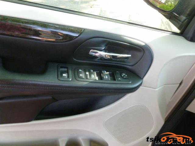 Dodge Grand Caravan 2012 - 6