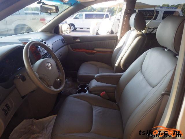 Toyota Sienna 2006 - 2