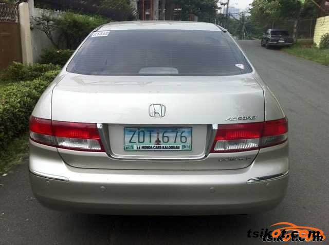 Honda Accord 2006 - 4