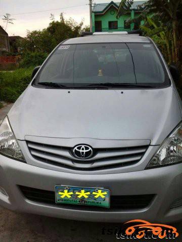 Toyota Innova 2011 - 2