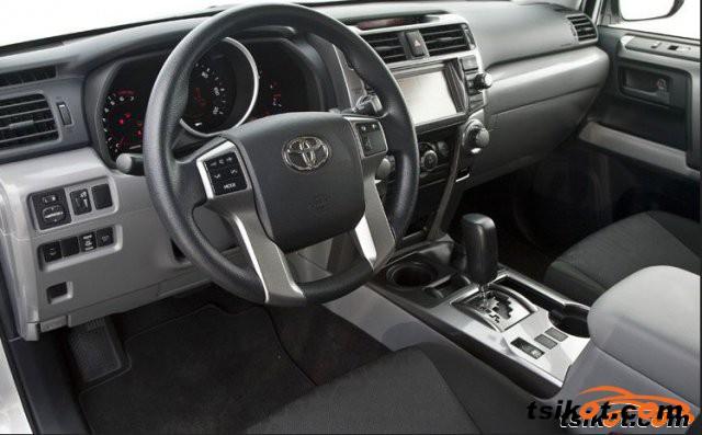 Toyota 4Runner 2010 - 4
