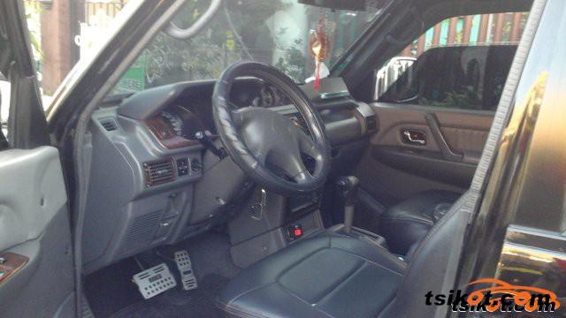 Mitsubishi Pajero 2002 - 4