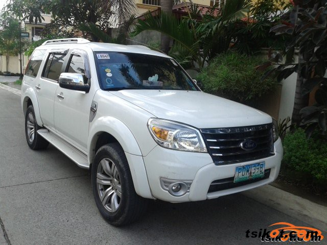 Ford Everest 2011 - 1