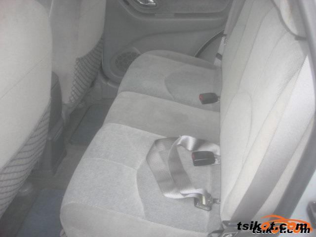 Mazda Tribute 2001 - 3