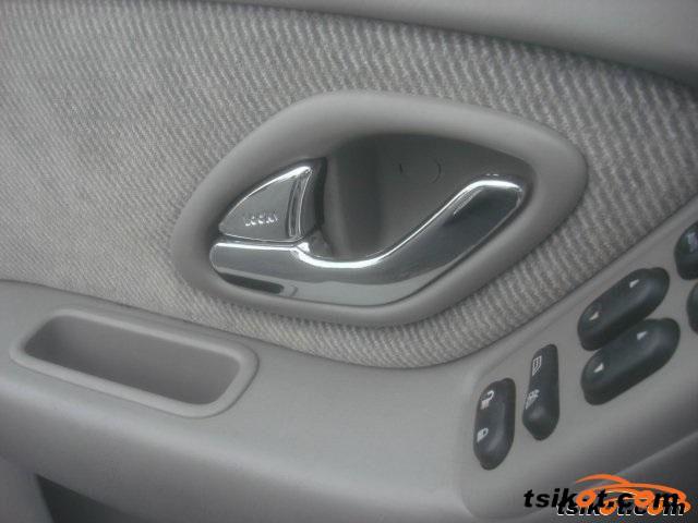 Mazda Tribute 2001 - 4