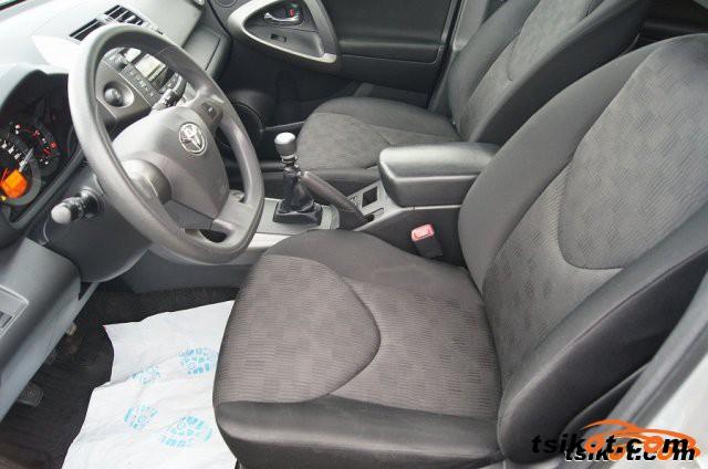 Toyota Rav4 2009 - 4
