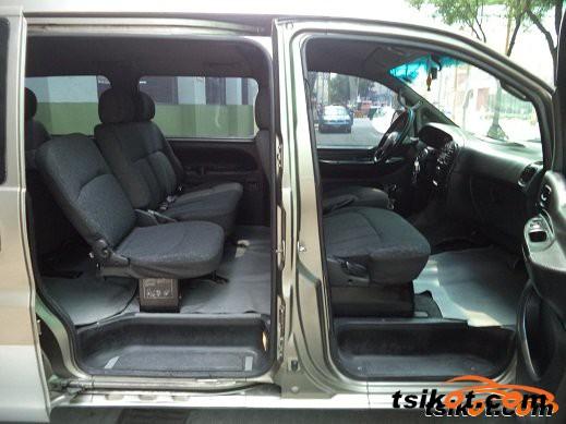 Hyundai Starex 2004 - 3