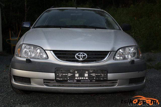 Toyota Avensis 2002 - 6