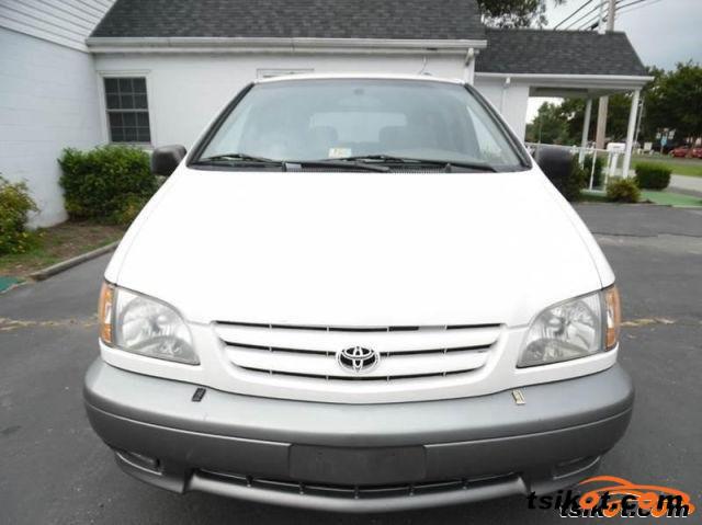 Toyota Sienna 2001 - 1