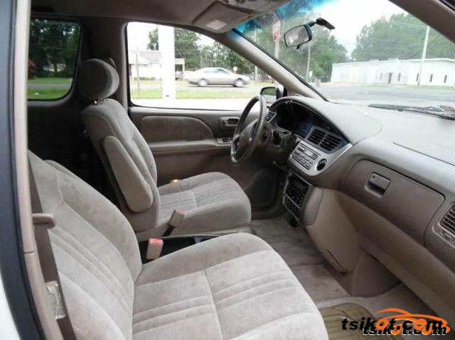 Toyota Sienna 2001 - 3