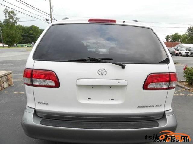 Toyota Sienna 2001 - 6