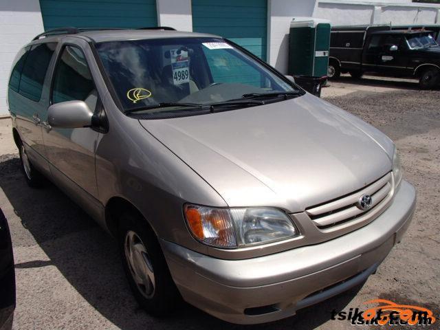 Toyota Sienna 2002 - 2
