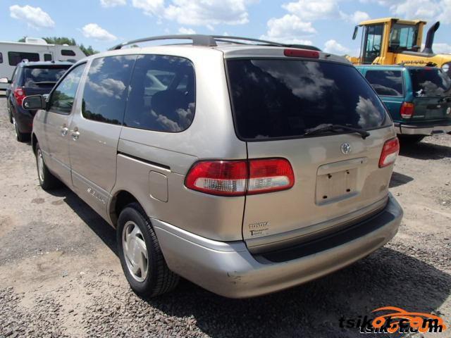 Toyota Sienna 2002 - 5