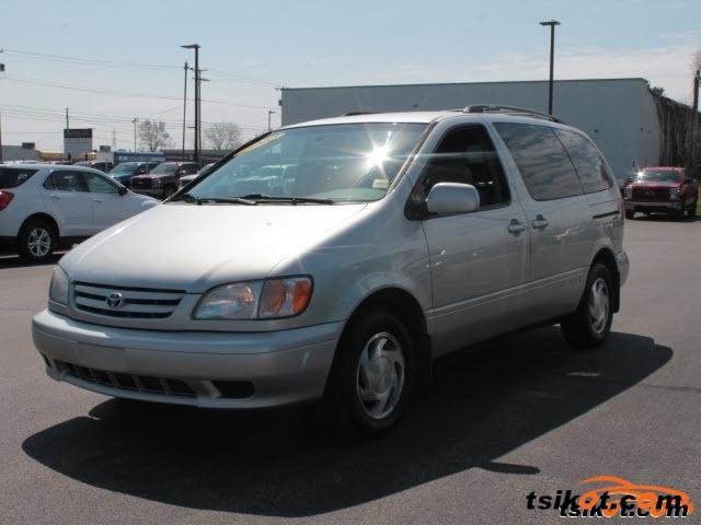 Toyota Sienna 2002 - 1