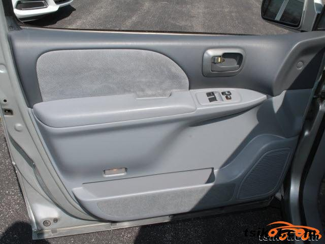 Toyota Sienna 2002 - 4