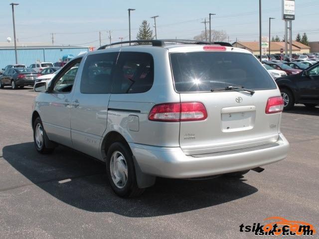 Toyota Sienna 2002 - 6