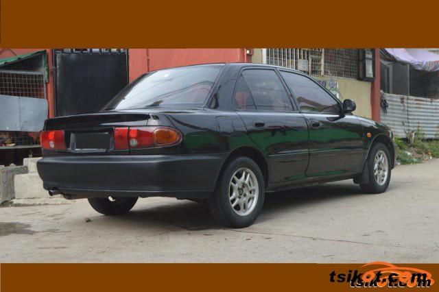 Mitsubishi Lancer 1995 - 4