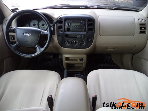 Ford Escape 2005 - 2