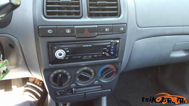 Hyundai Accent 2001 - 6