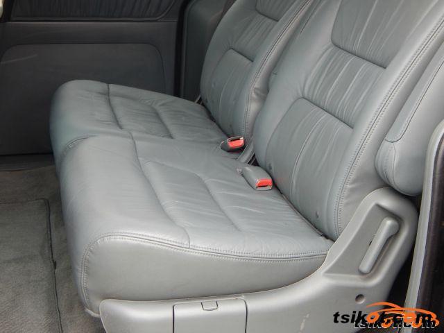 Honda Odyssey 2004 - 3