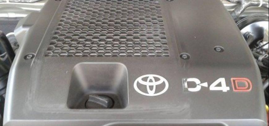 Toyota Fortuner 2010 - 10