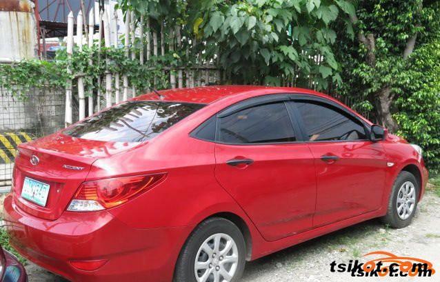 Hyundai Accent 2012 - 3