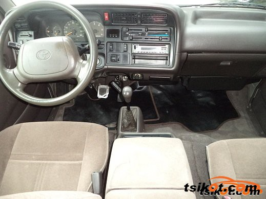 Toyota Hi-Ace 2004 - 2