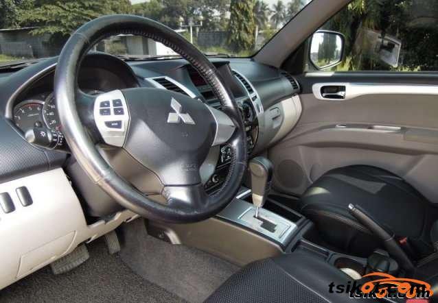 Mitsubishi Montero 2010 - 2