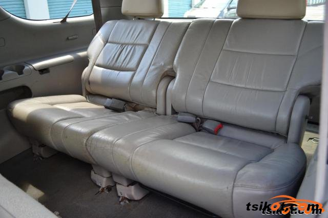 Toyota Sequoia 2001 - 4