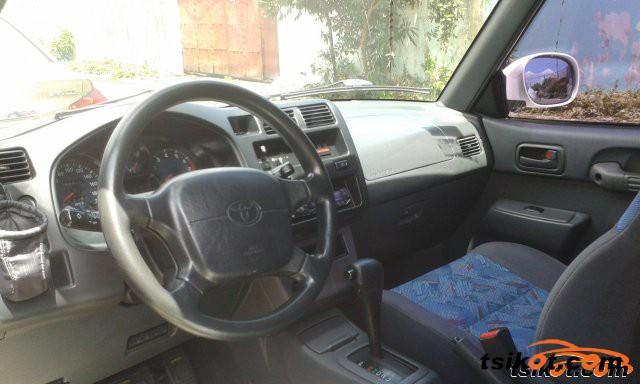 Toyota Rav4 1998 - 3