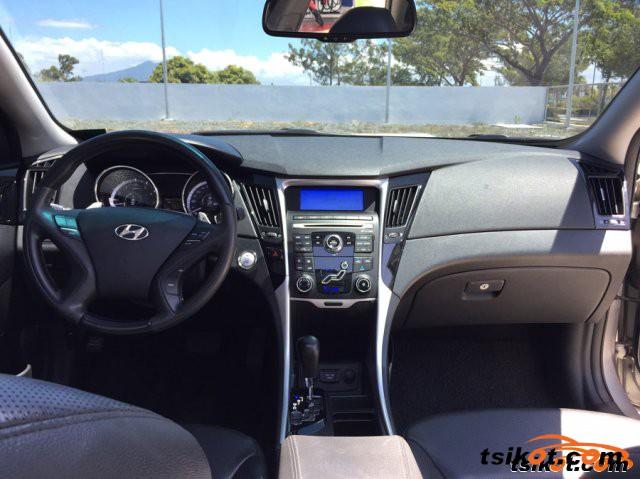 Hyundai Sonata 2010 - 5