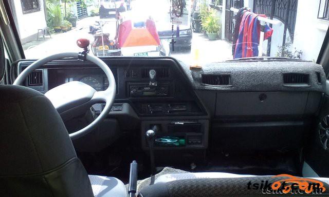 Nissan Escapade 2001 - 6
