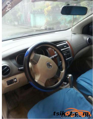 Nissan Grand Livina 2009 - 5