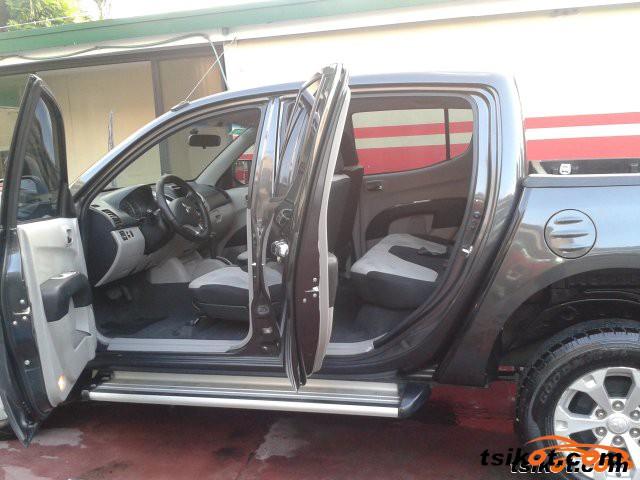 Mitsubishi Strada 2012 - 6